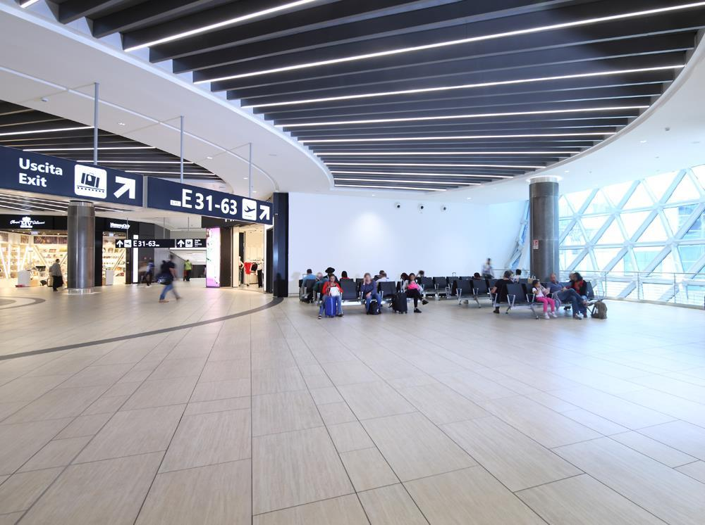 Leonardo da Vinci Airport: Photo 15